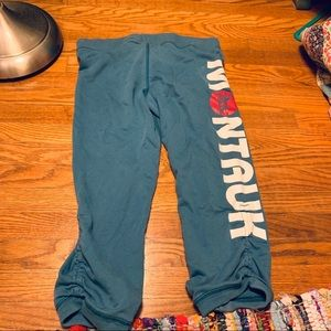 VTG ABERCROMBIE MONTAUK GRAPHIC CROP SWEATPANTS